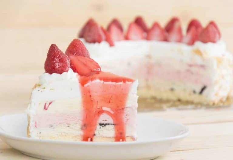 Your Favorite Homemade Ice Cream Cake Recipe Made Easy
