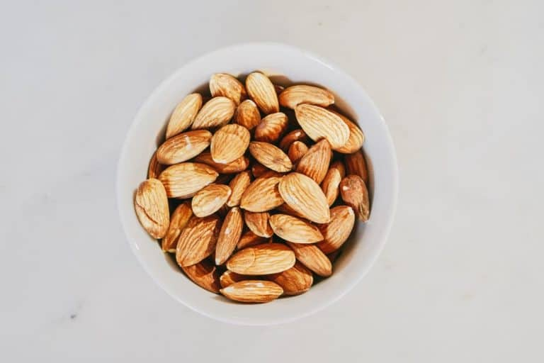 Low-Calorie Late Night Snacks To Cure The Bedtime Munchies While Trying To Lose Weight