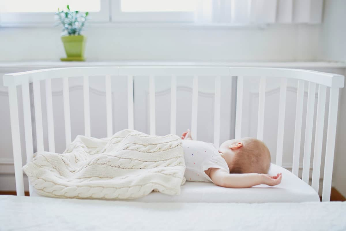 How Co-Sleeping Benefits Can Ease Your Anxiety And Risks To Look Out For
