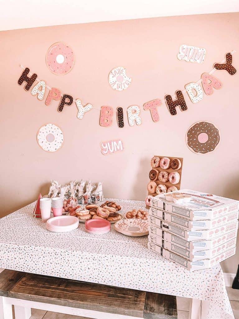 donut-themed-first-birthday